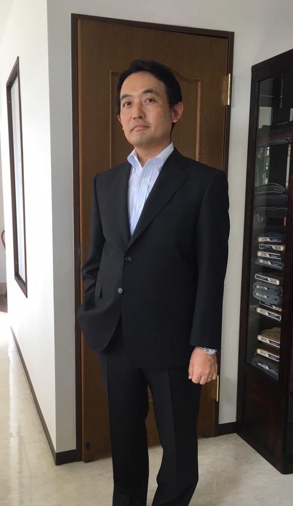 【東京都目黒区在住 KSさま】国産生地で二つ釦シングルスーツをお立て