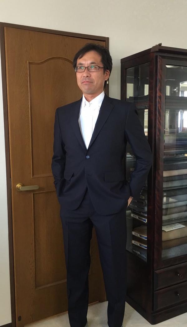 【神奈川県横浜市在住 HHさま】国産生地でスペアパンツ付き二つ釦シングルスーツとオーダーYシャツをお仕立て