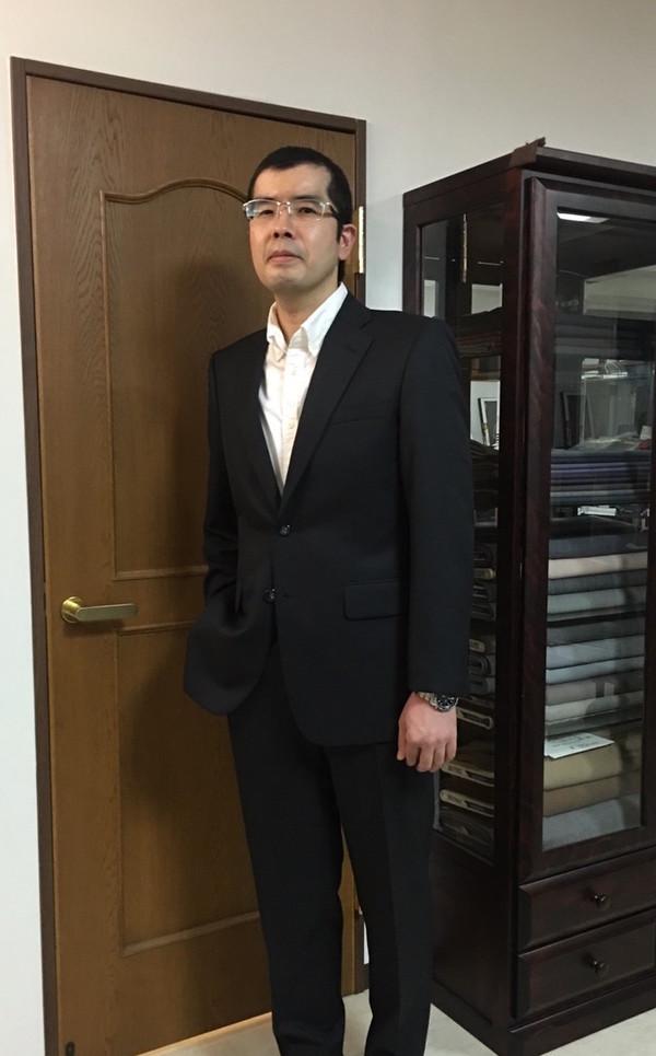【東京都中野区在住 TYさま】国産生地で二つ釦シングルスーツをお仕立て