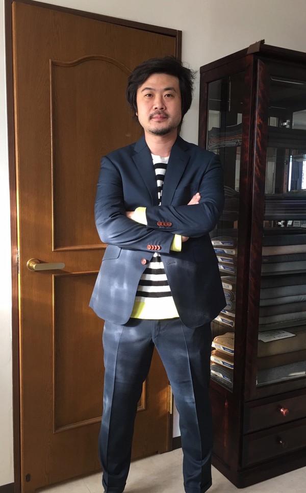 【東京都新宿区在住 渡辺雄介さま】レダ社(伊)製生地で二つ釦シングルスーツをお仕立て