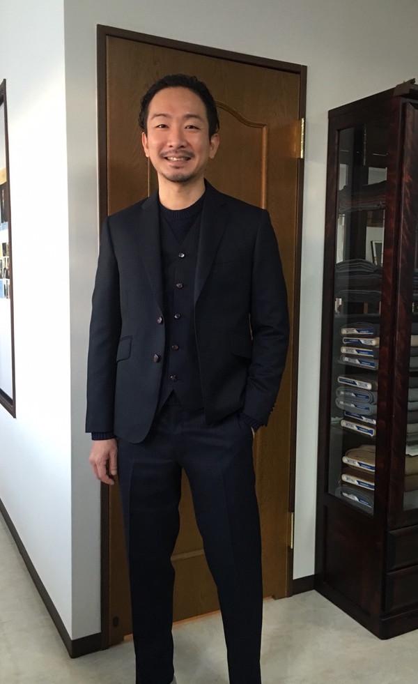【東京都品川区在住 加藤功一さま】国産生地で二つ釦シングル三揃いスーツをお仕立て