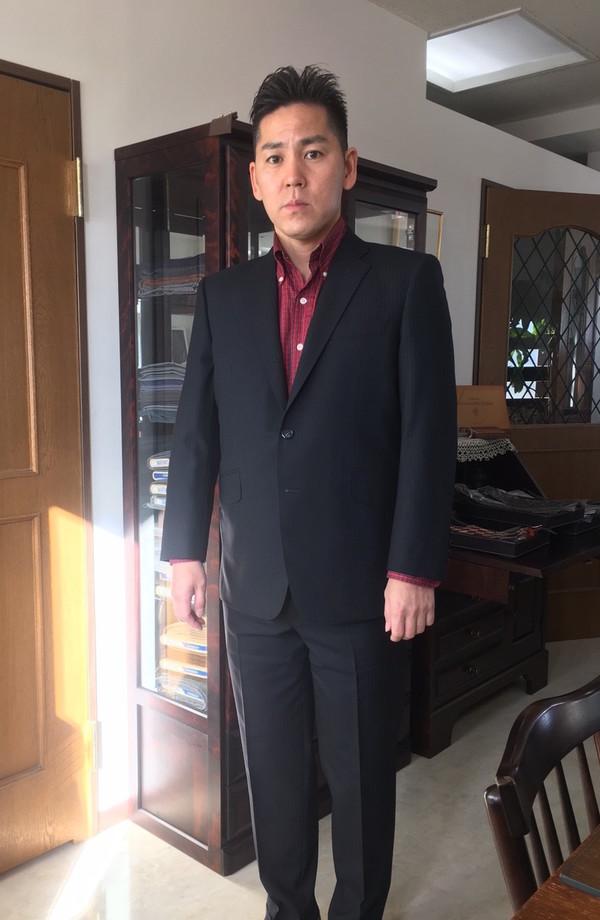 【東京都武蔵野市在住 GMさま】国産生地で二つ釦シングルスーツをお仕立て