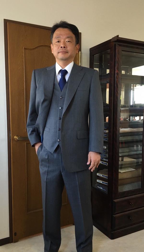 【東京都練馬区在住 HYさま】国産生地で二つボタンシングル三揃いスーツをお仕立て