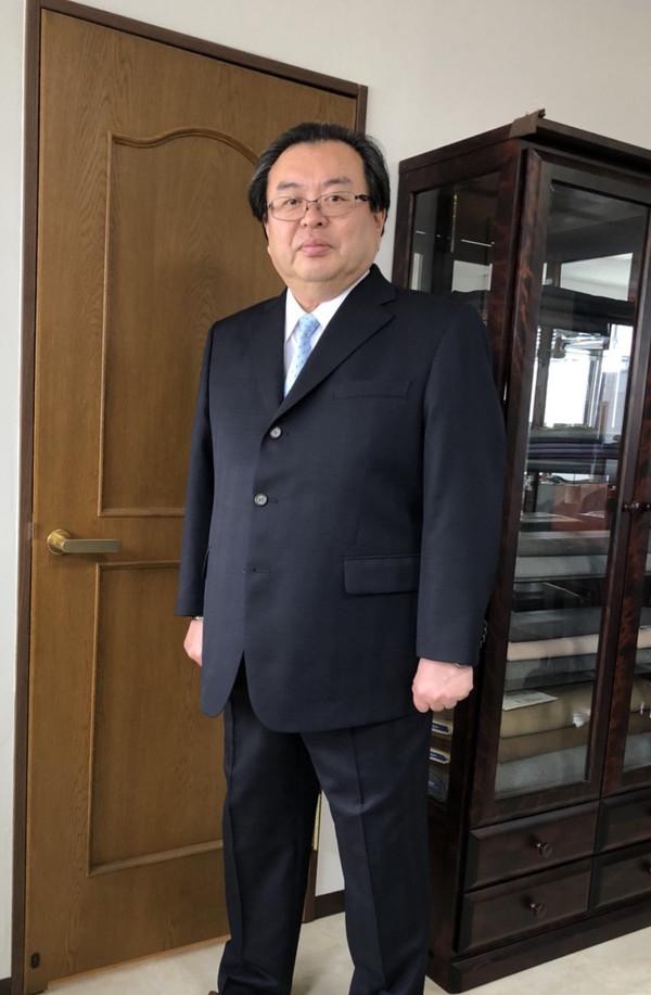 【東京都杉並区在住  井上均さま】国産生地で三つ釦シングルスーツをお仕立て