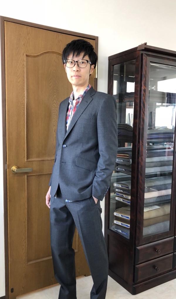 【東京都練馬区在住  MKさま】国産生地で二つ釦シングルスーツをお仕立て