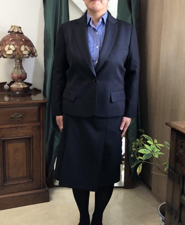 【東京都練馬区在住 MSさま】国産生地で二つ釦シングル・レディススーツをお仕立て