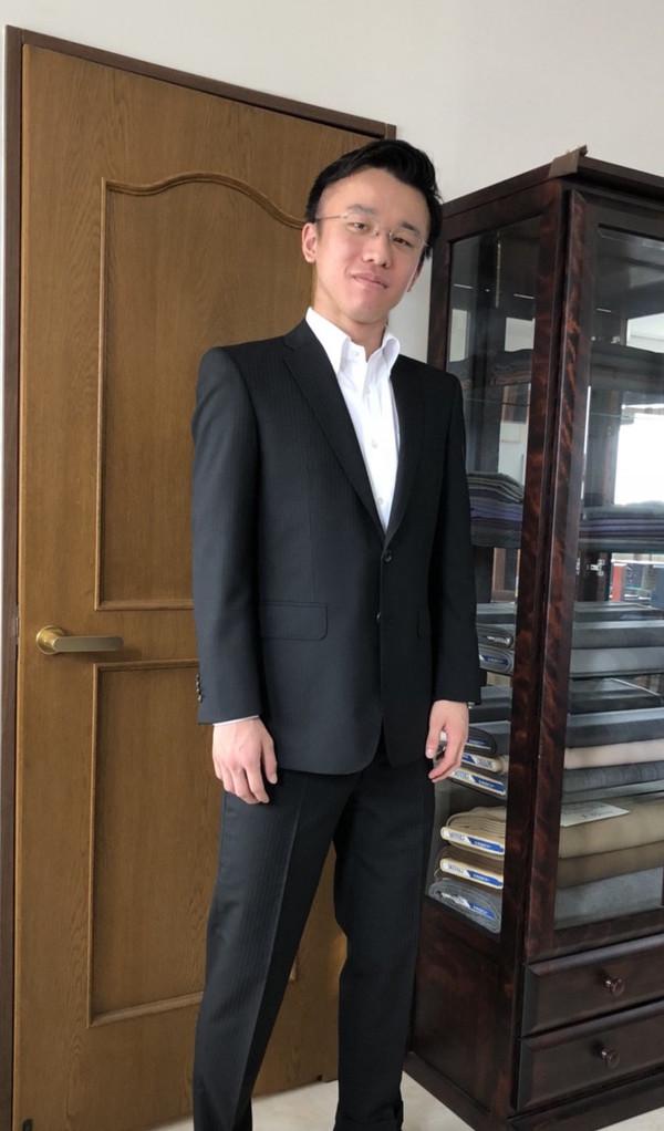 【東京都武蔵野市在住  SYさま】国産生地でスペアパンツ付き二つ釦シングルスーツをお仕立て