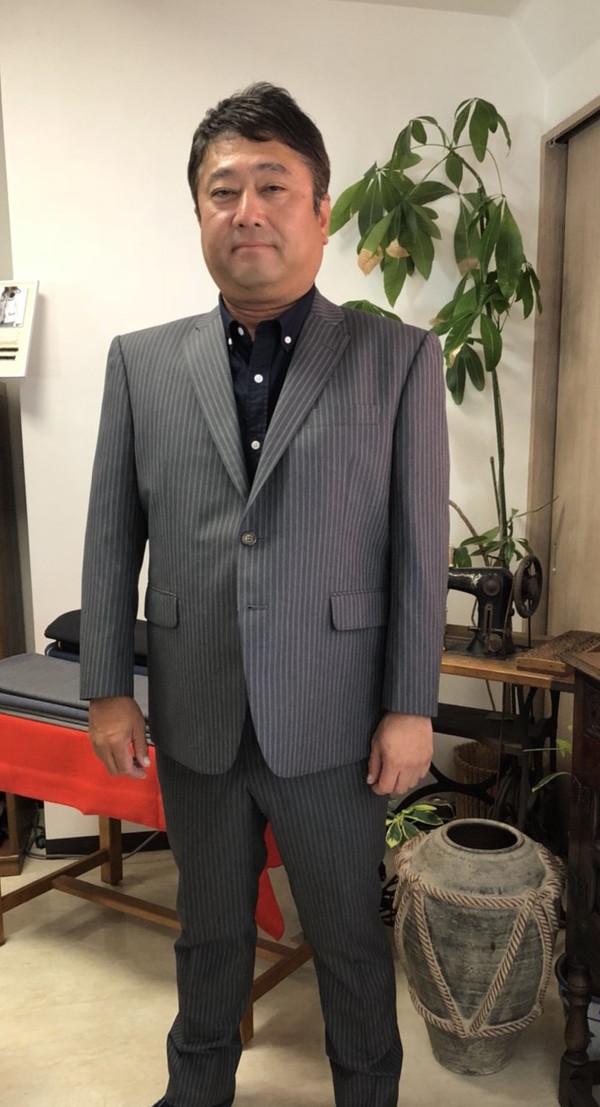 【東京都中野区在住  AFさま】国産生地で二つ釦シングルスーツをお仕立て