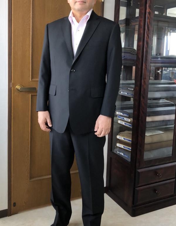 【神奈川県横浜市在住  IKさま】国産生地でスペアパンツ付き二つ釦シングルスーツをお仕立て