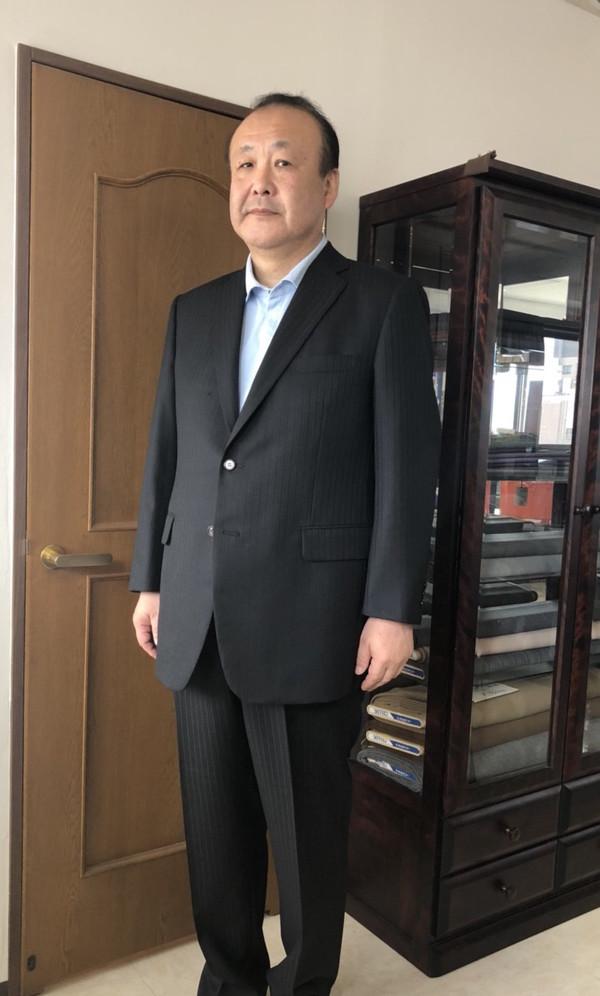 【東京都練馬区在住  YWさま】国産生地で二つ釦シングルスーツをお仕立て