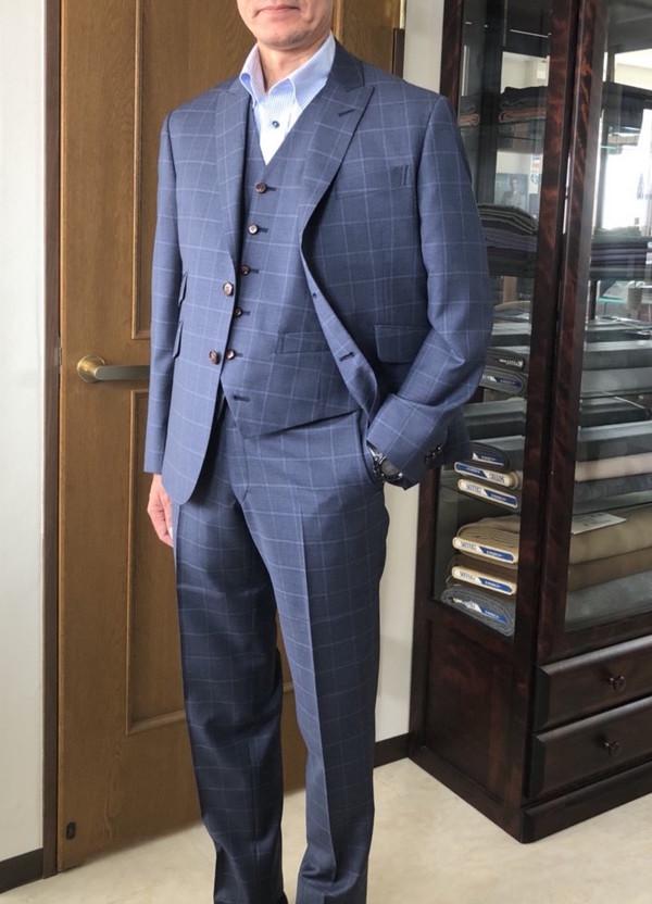 【東京都練馬区在住  HSさま】イタリー製生地で二つ釦シングル三揃スーツとタキシードジャケットをお仕立て