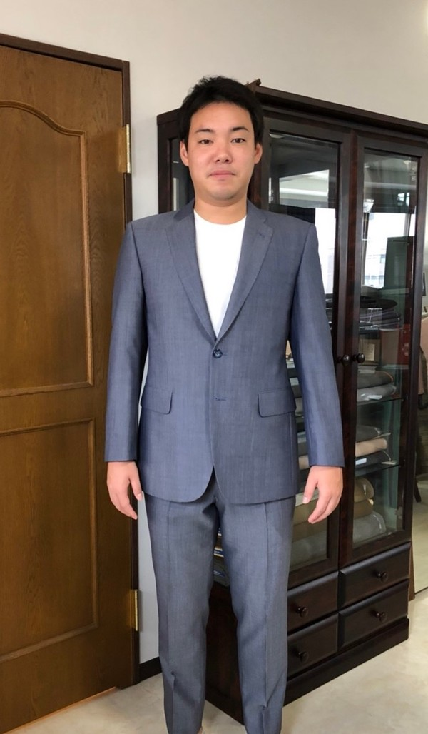【東京都練馬区在住  山本隆平さま】国産生地で二つ釦シングルスーツをお仕立て