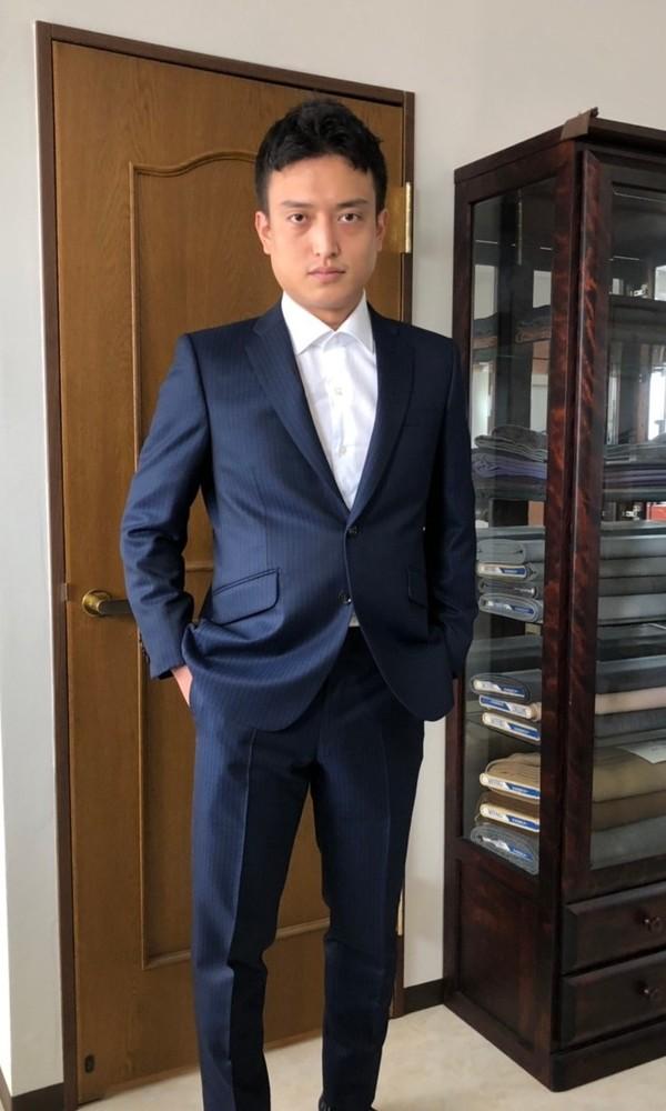 【東京都中央区在住   TSさま】スキャバル社(英国)製生地でスペアパンツ付き二つ釦シングルスーツをお仕立て
