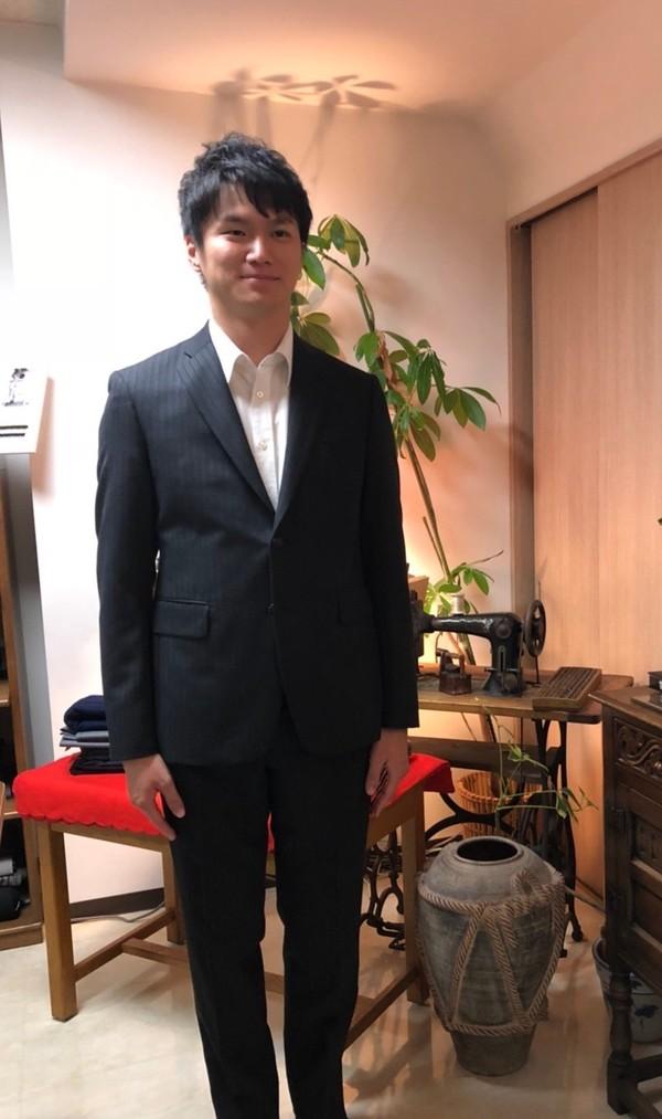 【東京都練馬区在住  平野雄大さま】国産生地で二つ釦シングルスーツをお仕立て