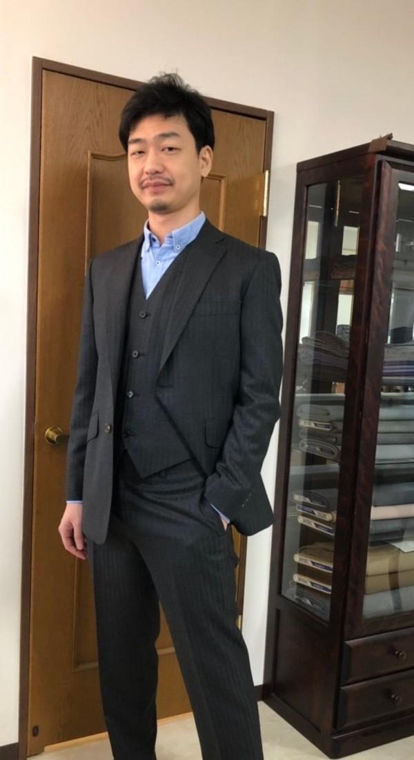 【東京都江東区在住  玉置純一さま】アーサーハリソン社(英国)製生地で二つ釦シングル三揃スーツをお仕立て