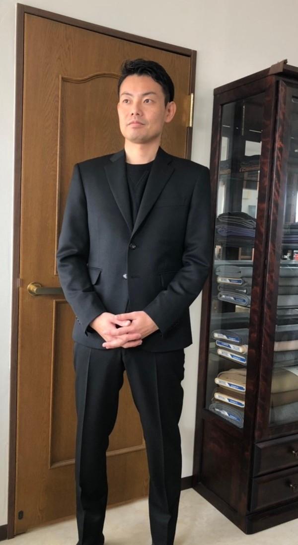 【埼玉県蓮田市在住 FNさま】国産生地で二つ釦シングルスーツをお仕立て