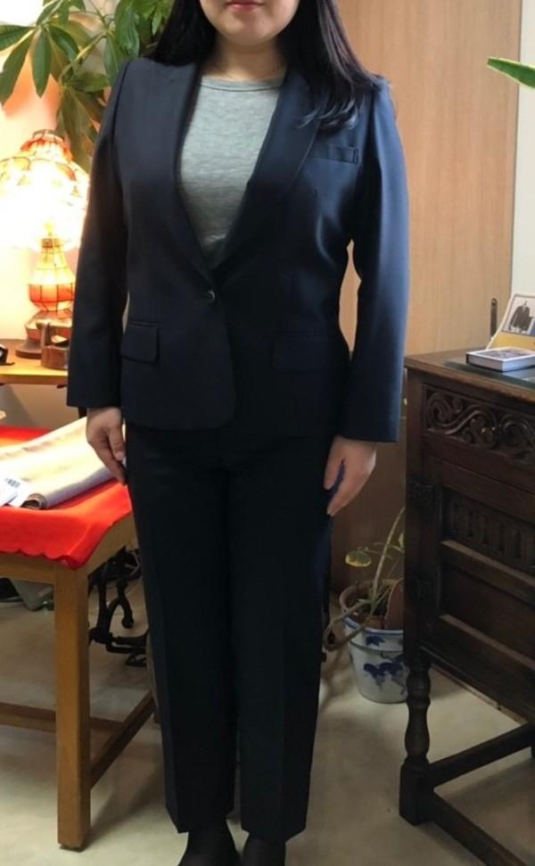 【東京都大田区在住 HCさま】国産生地で一つ釦シングル・レディスパンツスーツをお仕立て