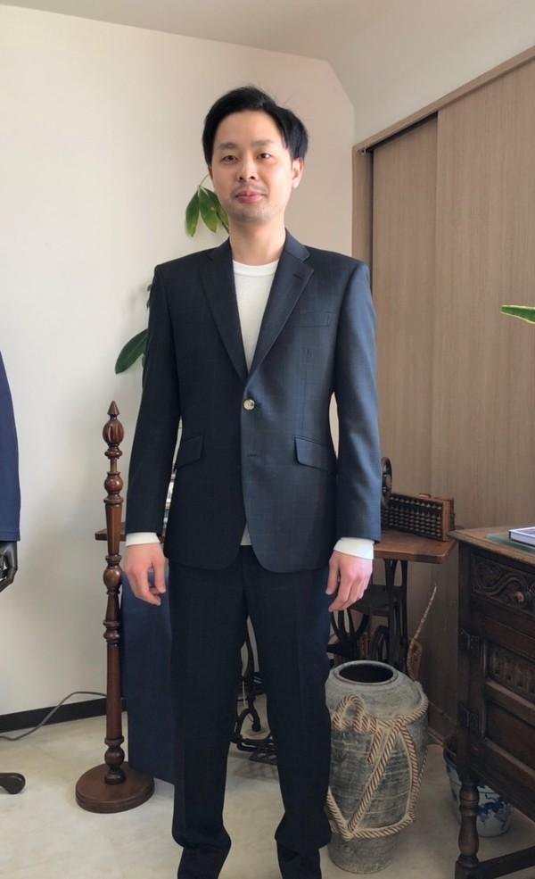 【東京都足立区在住  KHさま】国産生地で二つ釦シングルスーツをお仕立て