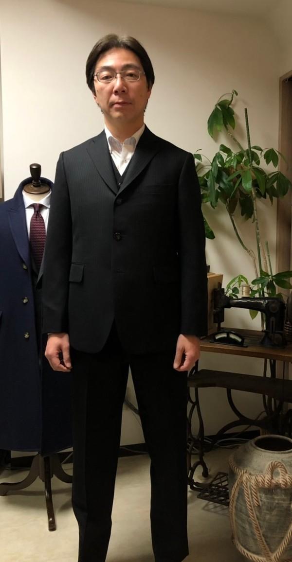 【東京都杉並区在住  HOさま】国産生地で三つ釦シングル三揃いスーツをお仕立て