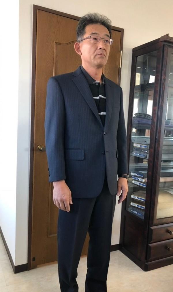 【東京都練馬区在住  斜森郁雄さま】国産生地で二つ釦シングルスーツをお仕立て