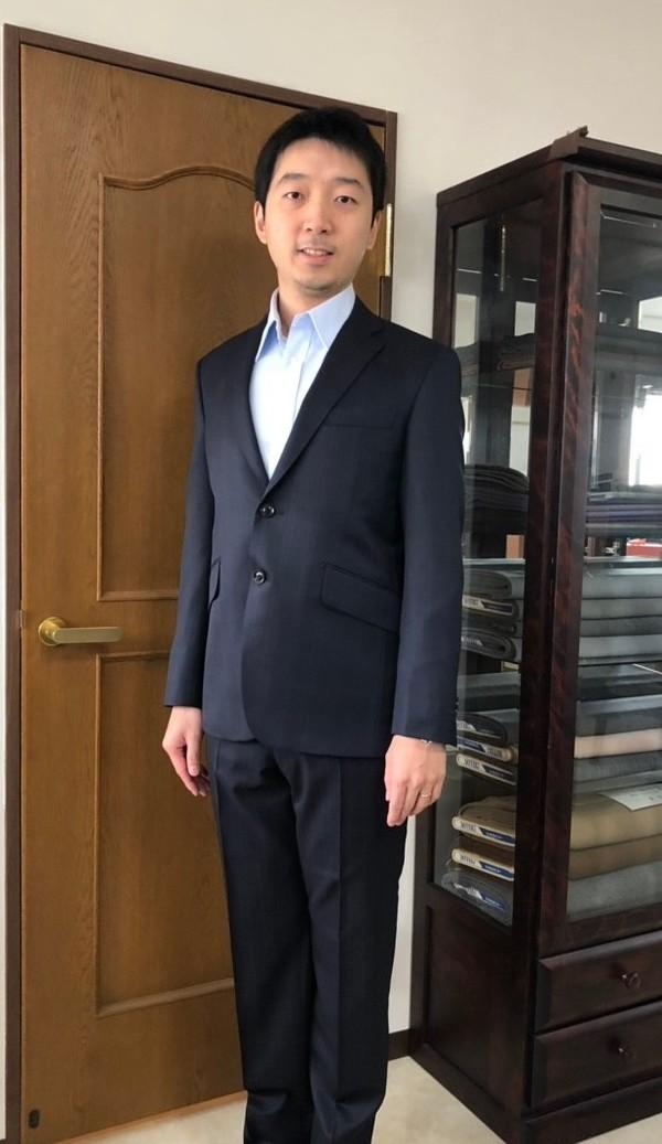 【東京都葛飾区在住 陳俊龍さま】ノンブランド伊製生地で二つ釦シングルスーツをお仕立て