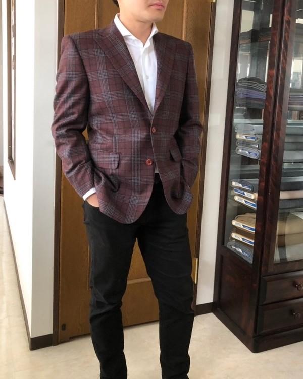 【東京都足立区在住 SKさま】オルメザーノ社(伊)製生地で三つ釦段返りシングルスーツをお仕立て