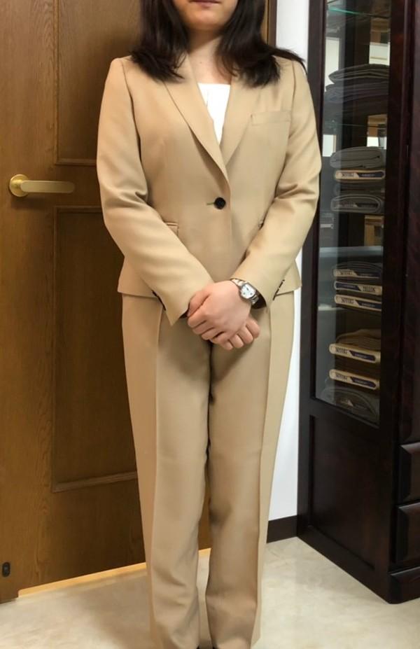 【東京都中野区在住  NOさま】国産生地でスペアパンツ付きレディス・スーツをお仕立て