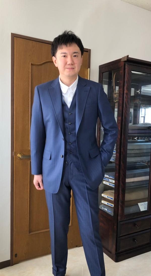 【神奈川県川崎市在住  SSさま】アーサー・ハリスン社(英)製生地で二つ釦シングル三揃いスーツをお仕立て