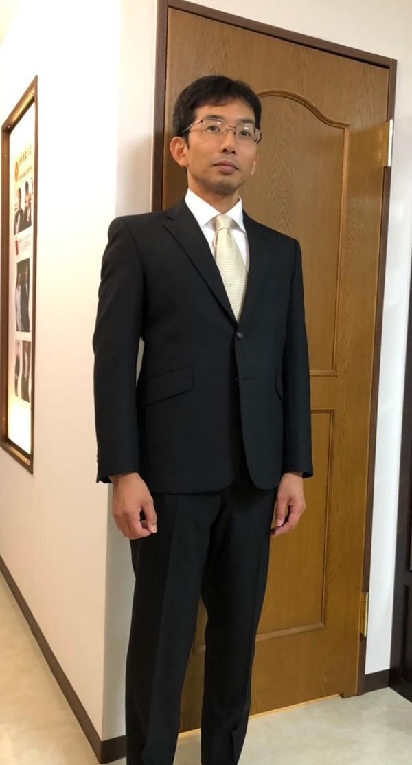 【神奈川県横浜市在住  TOさま】国産生地で二つ釦シングルスーツをお仕立て