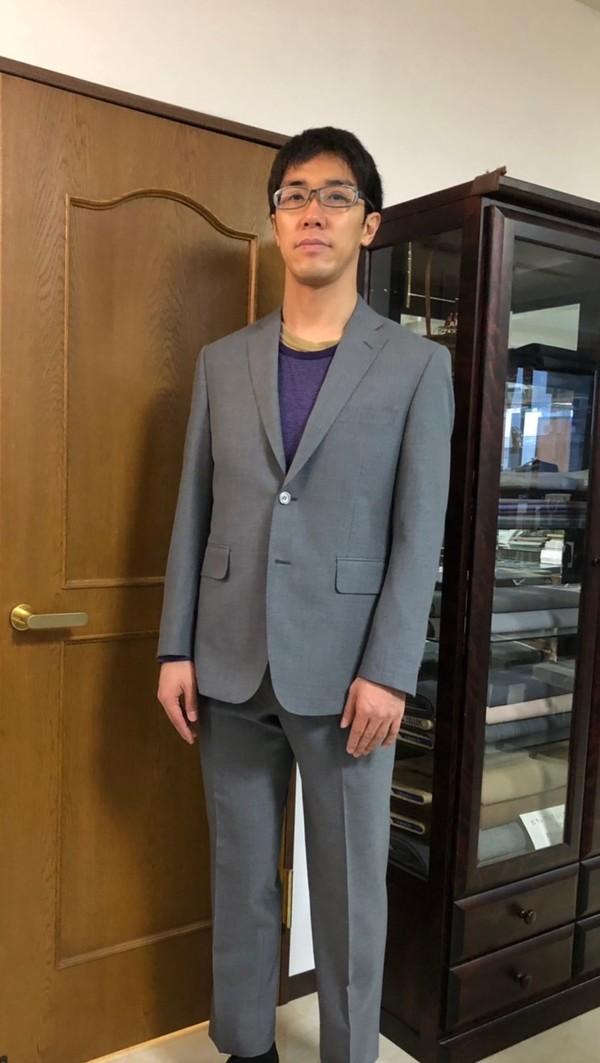 【東京都渋谷区在住  大貫健太郎さま】国産生地で二つ釦シングルスーツをお仕立て