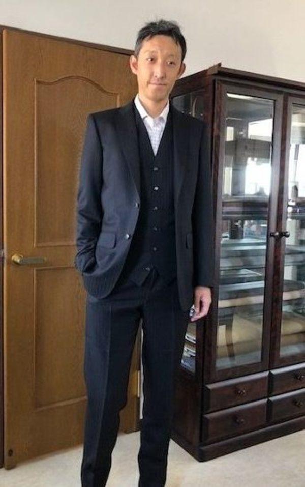 【東京都練馬区在住 SIさま】国産生地で二つ釦シングル三つ揃いスーツをお仕立て