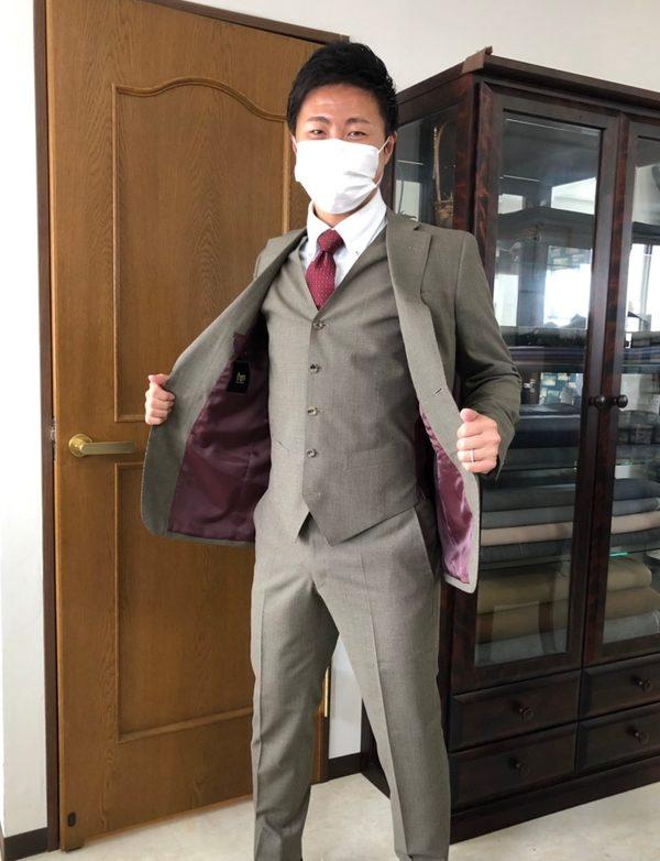 【東京都北区在住 KFさま】ドラゴ社(伊)製生地で二つ釦シングル三つ揃いスーツをお仕立て