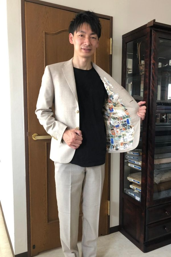 【東京都小平市在住 内田悠太さま】国産生地で三つ釦段返りシングルスーツをお仕立て