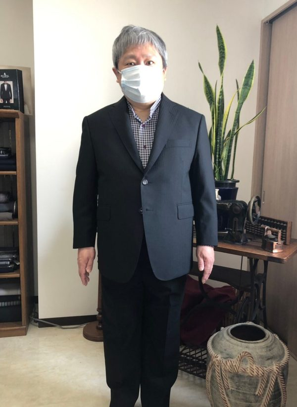 【東京都練馬区在住 YYさま】国産生地でスペアパンツ付き二つ釦シングルスーツ二着をお仕立て
