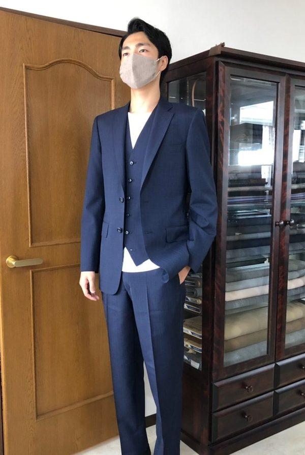 【埼玉県さいたま市在住 ATさま】国産生地で二つ釦シングル三つ揃いスーツをお仕立て