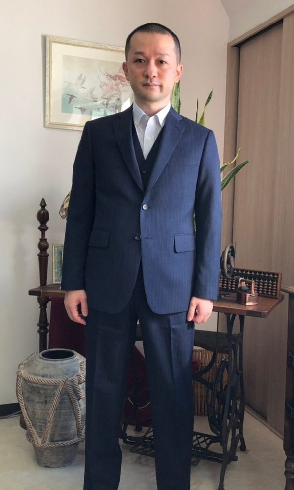 【東京都練馬区在住 SNさま】国産生地で二つ釦シングル三つ揃いスーツを2着/オーダーYシャツ3着をお仕立て