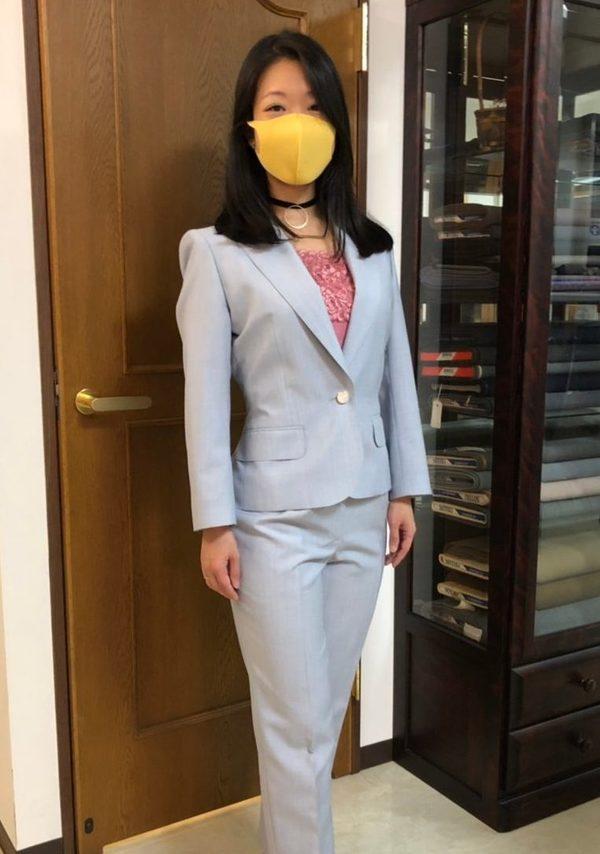【東京都文京区在住 MHさま】国産生地で一つ釦シングル・レディーススーツをお仕立て