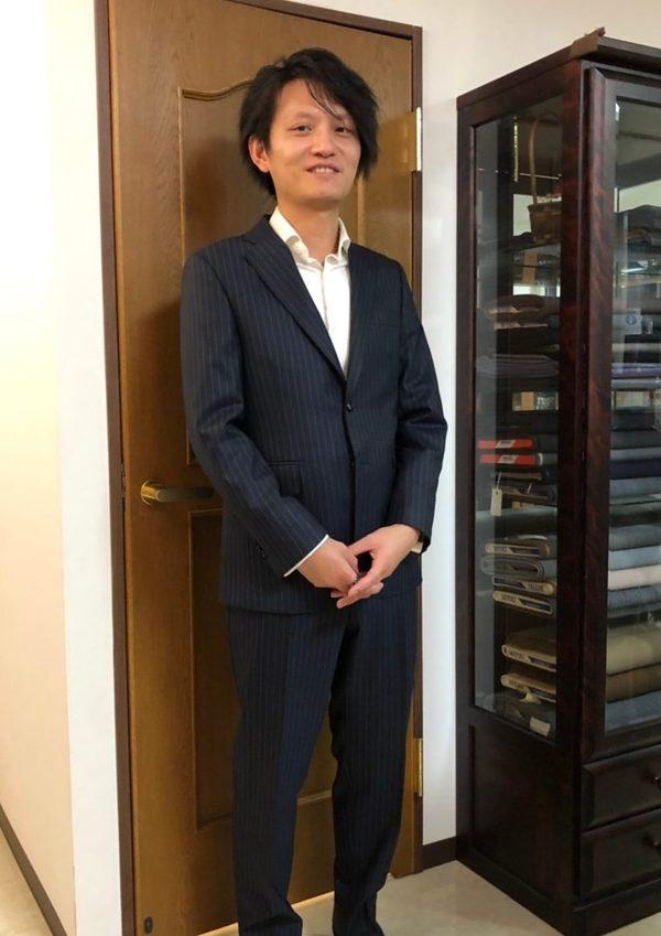 【東京都豊島区在住 SCさま】チャールズクレイトン社(英)製生地で二つ釦シングルスーツをお仕立て