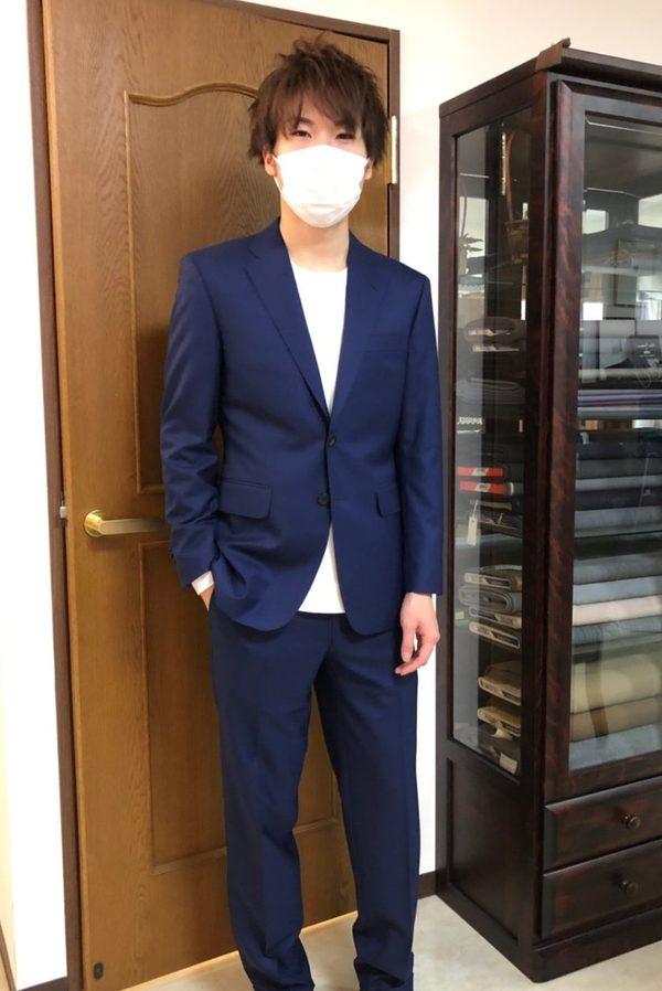 【東京都八王子市在住 THさま】スキャバル社(英)製生地で二つ釦シングルスーツをお仕立て