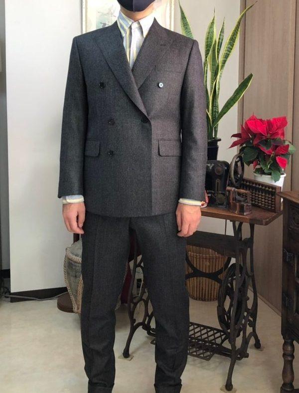 【東京都中野区在住 YMさま】国産生地で礼服(拝み釦)/六つ釦二つ掛けダブルスーツをお仕立て