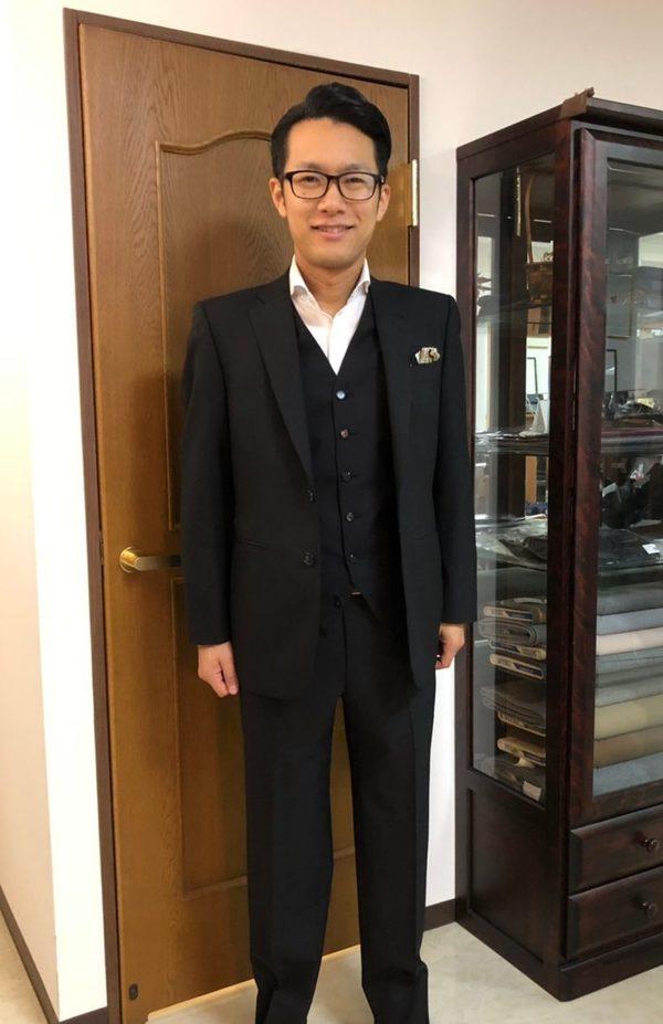 【東京都葛飾区在住 MKさま】国産生地で二つ釦シングルスーツをお仕立て