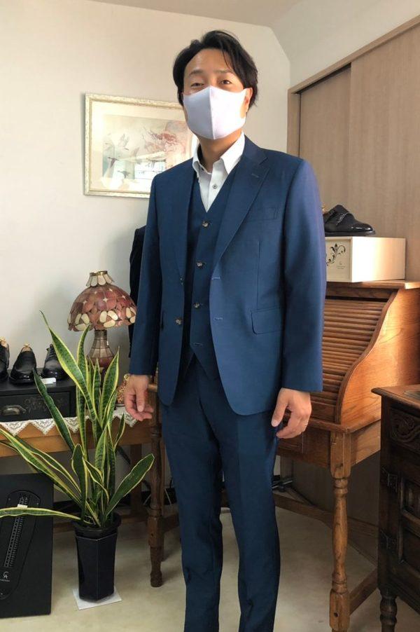 【神奈川県厚木市在住 HIさま】カノニコ社(伊)製生地で二つ釦シングル三つ揃いスーツをお仕立て