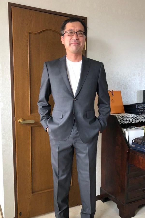 【神奈川県横浜市在住 HHさま】(伊)製生地でスペアパンツ付き二つ釦シングルスーツをお仕立て